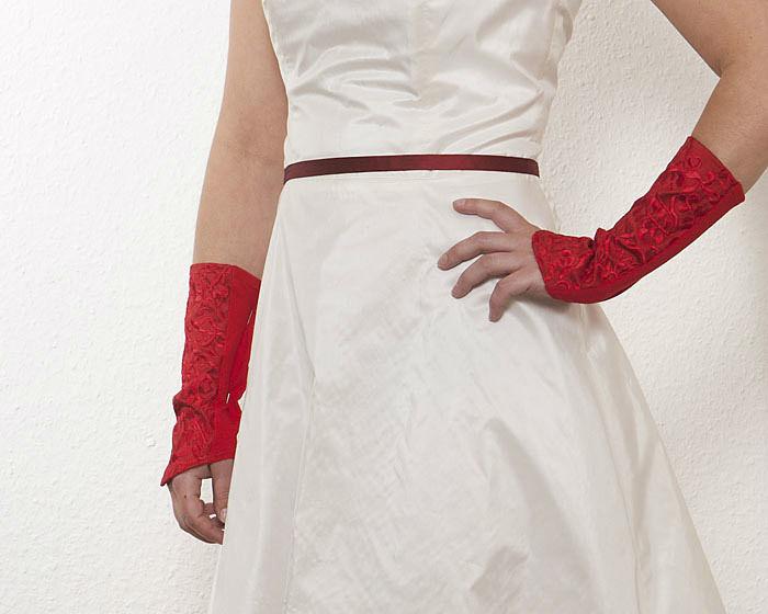 Beispiel: Brautstulpen Rot, Foto: JAAP Accessoires.