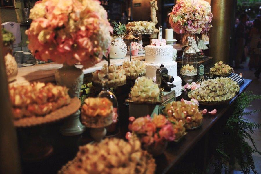 Mini Wedding Bistrô Ruella Projeto e Execução:  Leivas & Lourenço Wedding por Luciana Lourenço e Denise Leivas Fotografia: Laila Heringer