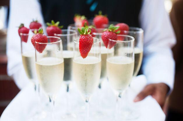 Champagne com Morangos