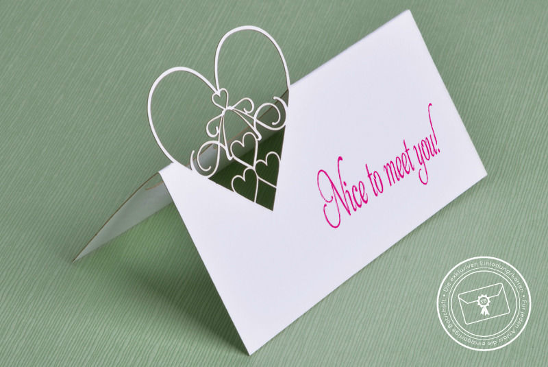Beispiel: Namensschilder, Foto: Die exklusiven Einladungskarten.