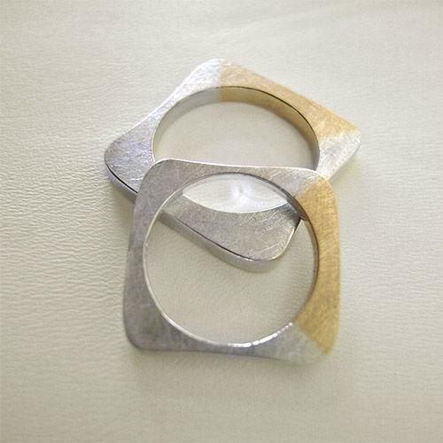 Beispiel: Trauringe - Bicolor, Foto: Goldwürfel.