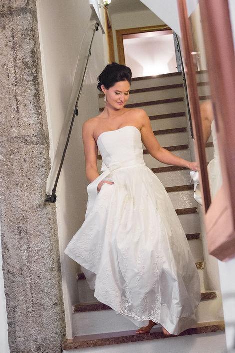 Beispiel: Maßgefertigte Brautmode, Foto: Susanne Spatt Salzburg.