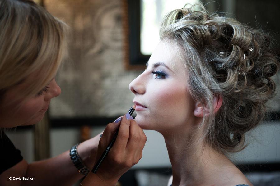 Miss Sanni Mai's make up