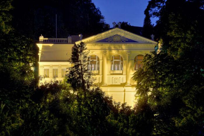 Beispiel: Bei Nacht, Foto: Logenhaus Flensburg.