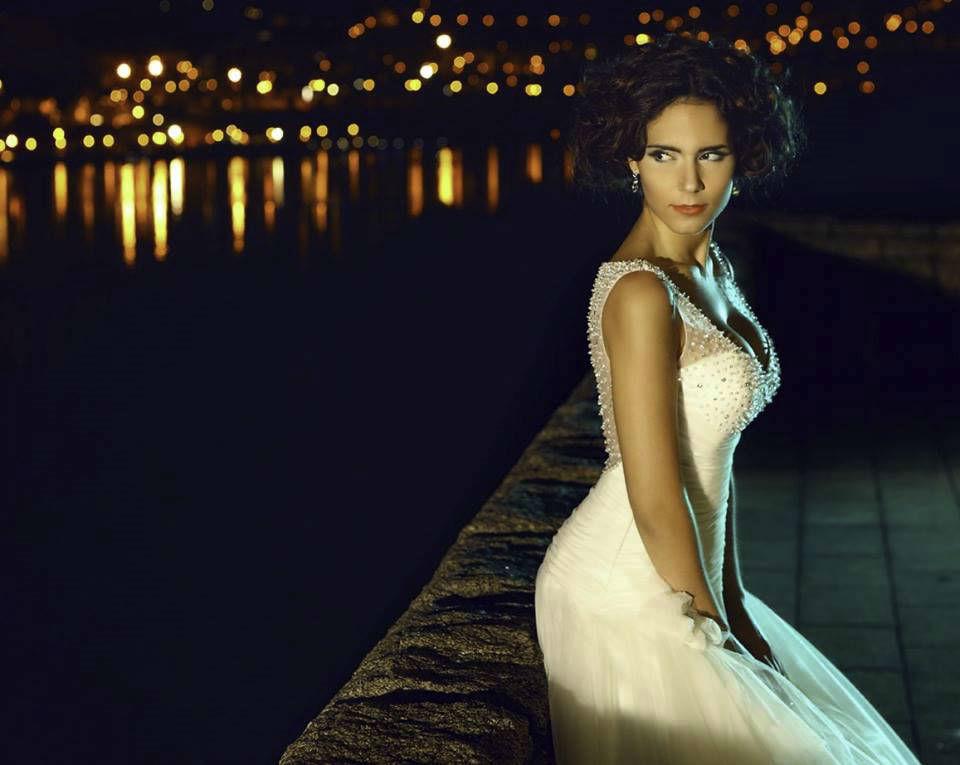 Olivia Ortiz veste A Bela Noiva