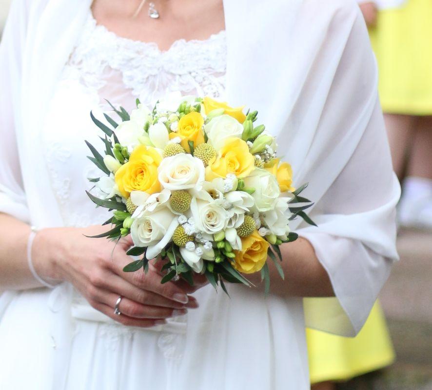 Bouquet de mariée jaune et blanc/ Estelle Leclerc