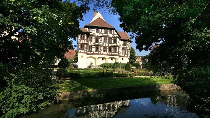 Beispiel: Außenansicht, Foto: Schloss Urach.