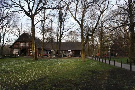 Beispiel: Parkanlage am Restaurant, Foto: Parkrestaurant Alte Mühle.