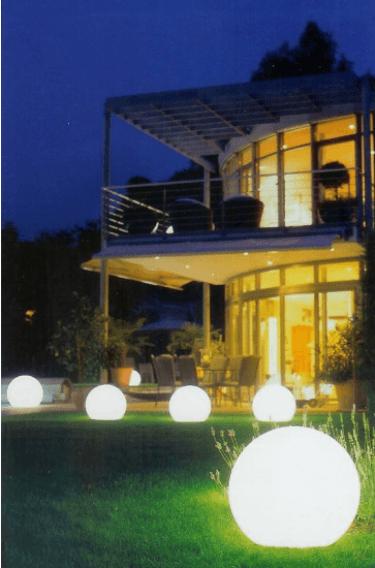 Beispiel: Leuchten für den besonderen Effekt, Foto: Mietidee.