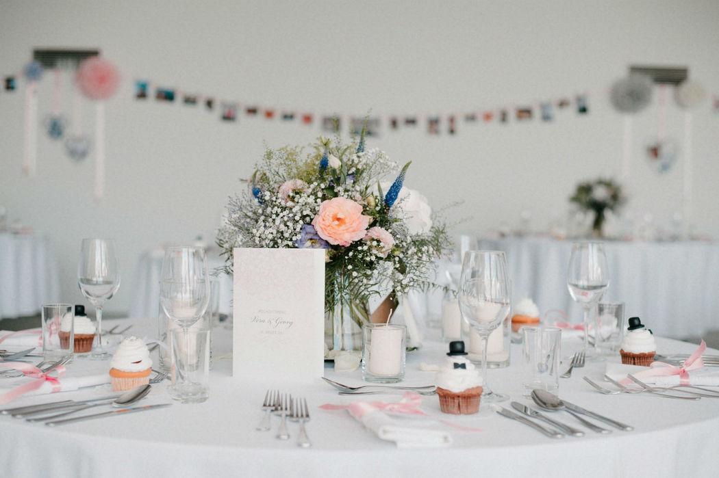 Beispiel: Hochzeitsgedeck,Foto: Ladies & Lord.