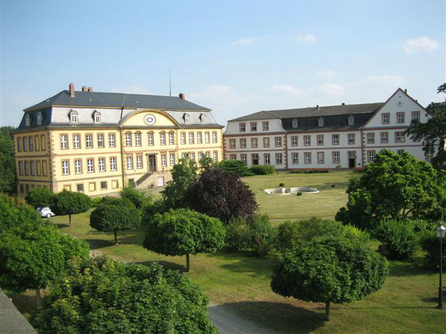 Beispiel: Herrenhaus und Kloster, Foto: Rittergut Dorstadt.