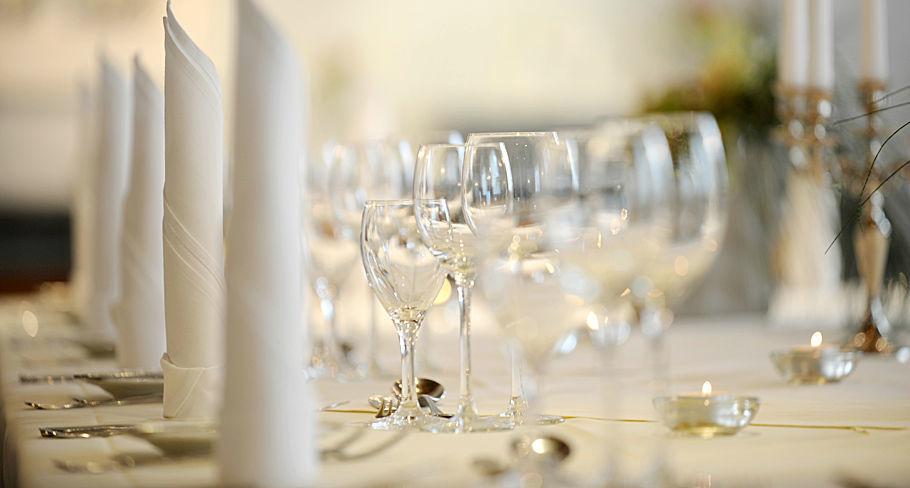 Beispiel: Tischdekoration, Foto: Hotel Gasthaus Adler.