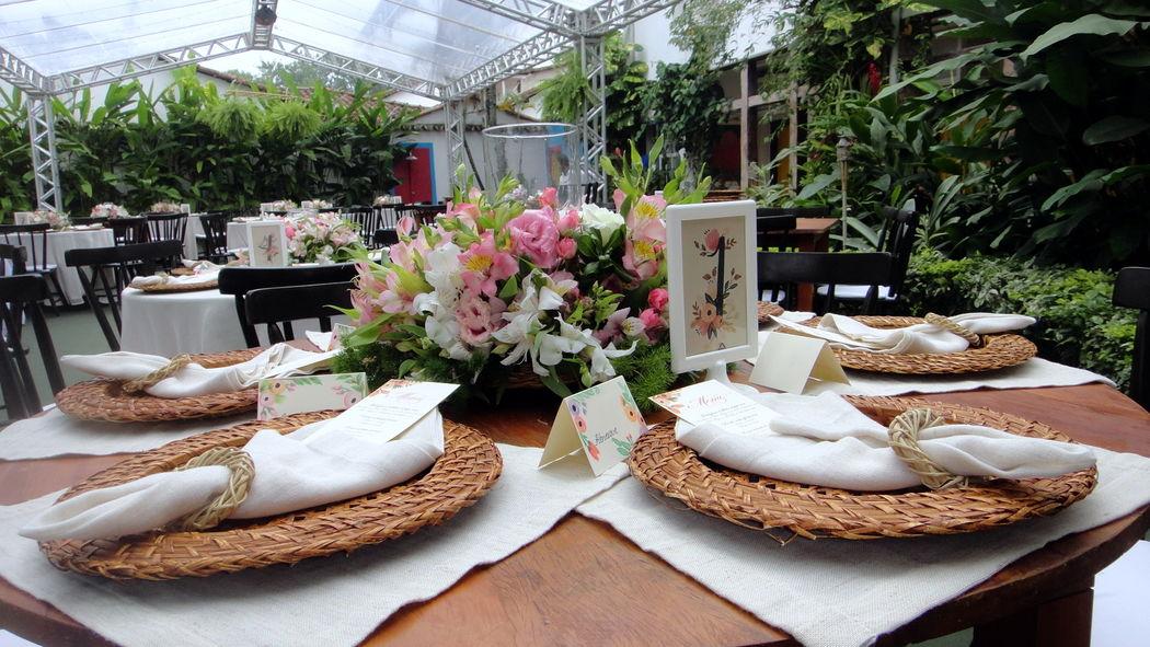 Montagem para casamento - Jardim externo