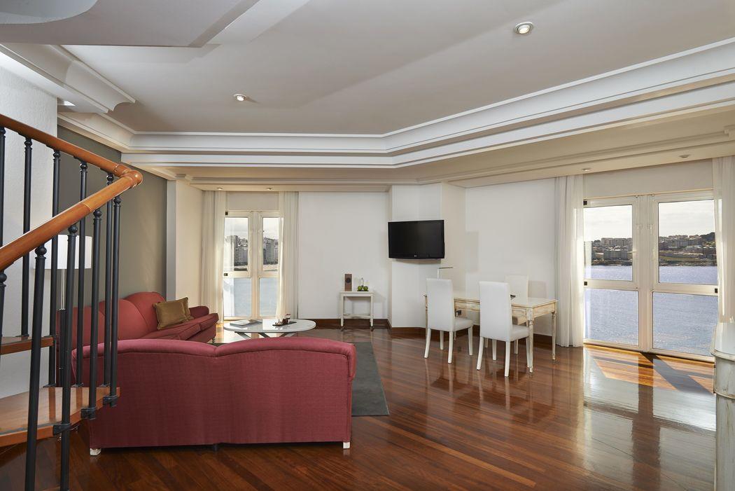 Salón Grand Suite Dúplex Vista Mar con terraza e Hidromasaje