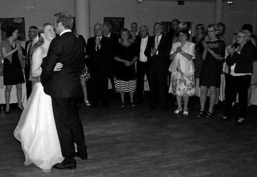 Beispiel: Hochzeitstanz  Foto: Hochzeits & Party DJ René Schmidt.
