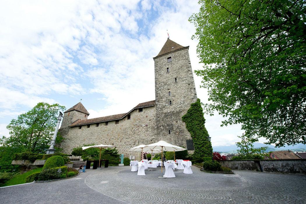 Beispiel: Außenansicht, Foto: Schloss Rapperswil.