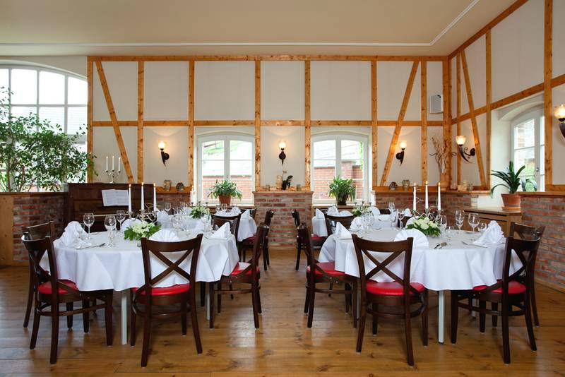 Beispiel: Restaurant, Foto: Landhof Liepe.