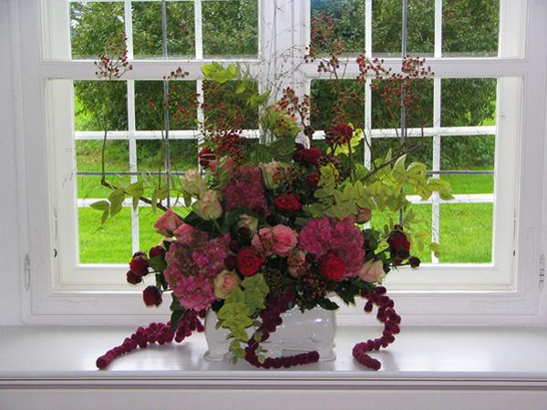 Beispiel: Gestecke für die Kirche, Foto: Blumen Kamm.