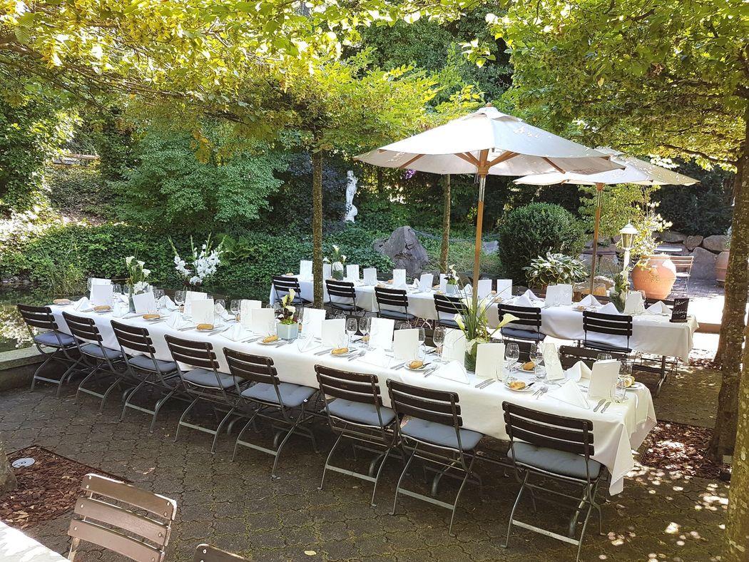 Lauschige Gartenwirtschaft mit Weiher, Foto: Hotel Bad Bubendorf.