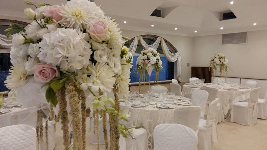 centro tavolo con vaso alto 70 cm