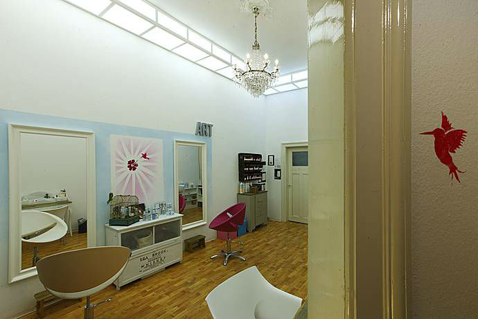 Beispiel: Studio, Foto: Visagistin-ng.