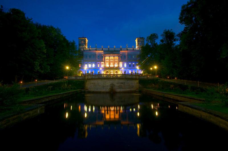 Beispiel: Schloss bei Nacht, Foto: Schloss Albrechtsberg.