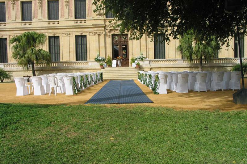 Ceremonia a pie de palacio en el Recreo de las Cadenas