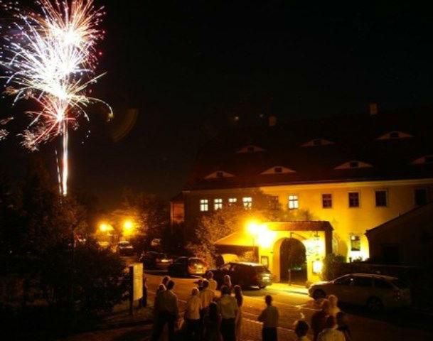 Beispiel: Außenansicht - Feuerwerk, Foto: Gasthof Herrenhaus Gorbitz.