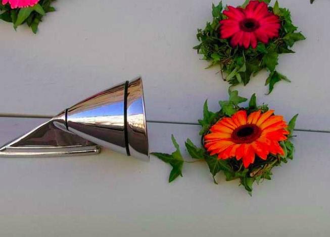 Beispiel: Autoschmuck, Foto: Blumeninsel.