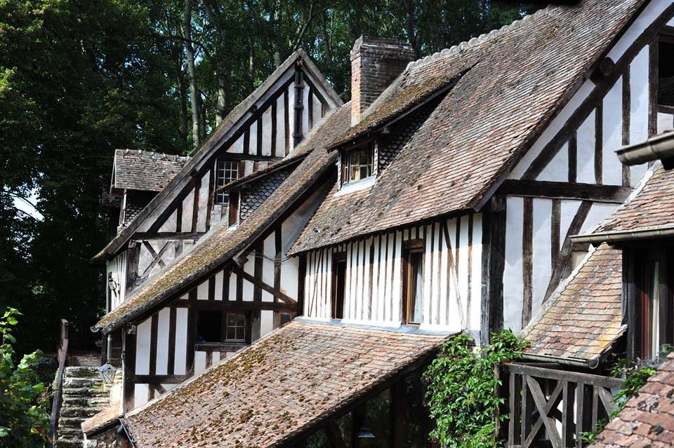 Le Moulin d'Andé et ses toits en enfilade