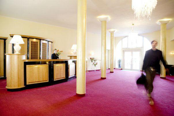 Beispiel: Lobby, Foto: Schloss Reinach.