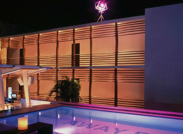 Hotel Deseo en Playa del Carmen para que celebres tu boda.