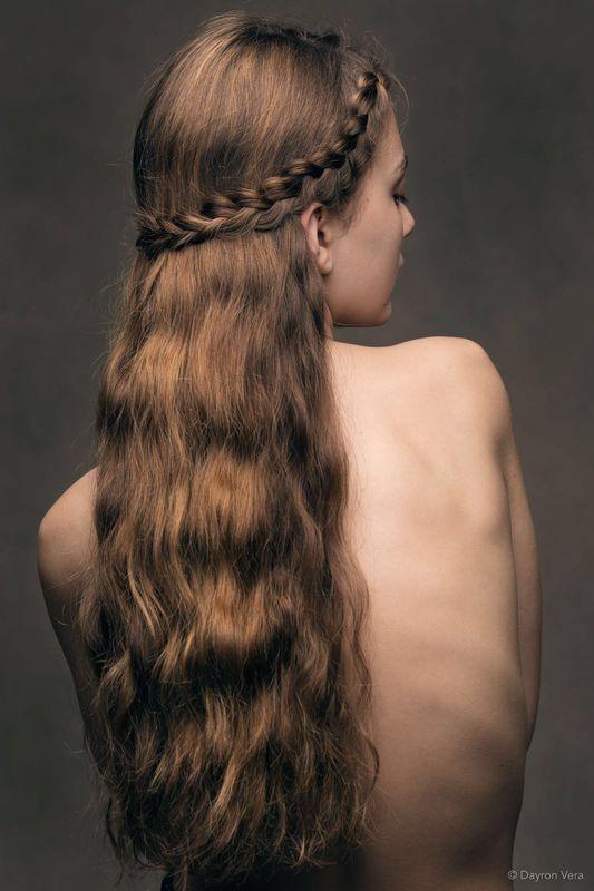 Semirrecogido con trenza Holandesa. Por Ube Hairstyle @ubehairstyle Fotografía de Dayron Vera @dayvera