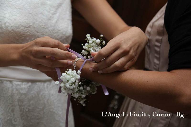L'angolo fiorito - Bracciale damigella  #Fiorista #matrimonio #Bergamo