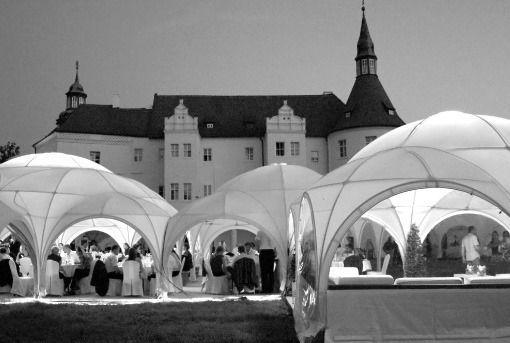 Beispiel: Das richtige Ambiente für jedes Brautpaar, Foto: Frank Matthée.Wh!te.