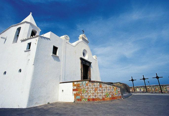 Ischia, Chiesa del Soccorso- panorama senza tempo