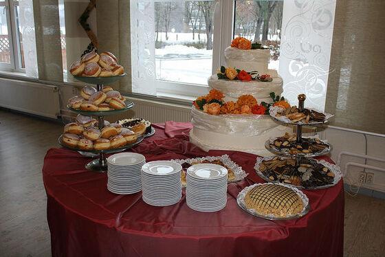 Beispiel: Hochzeitsbüffet, Foto: Eventoase Schützenhaus.