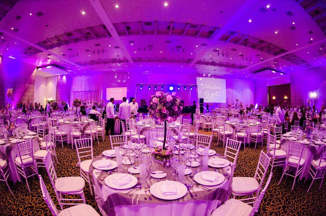 Amplios espacios que se ajustan a tus necesidades y la de tus invitados.