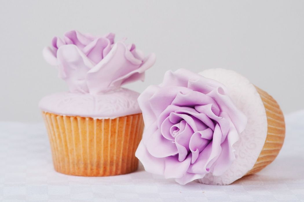 Cupcakes mit Zuckerrosen