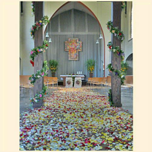 Beispiel: Kirchenschmuck, Foto: Blumen Mardt.