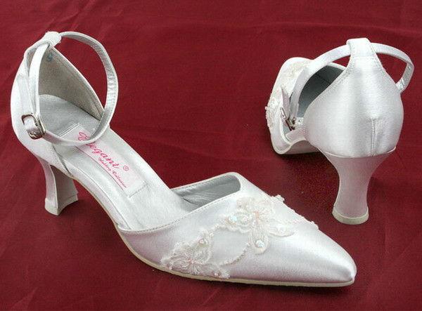 Beispiel: Einzigartige Brautschuhe, Foto: Weddingdress.ch.