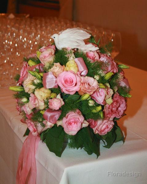 Beispiel: Floraler Tischschmuck, Foto: Floradesign.