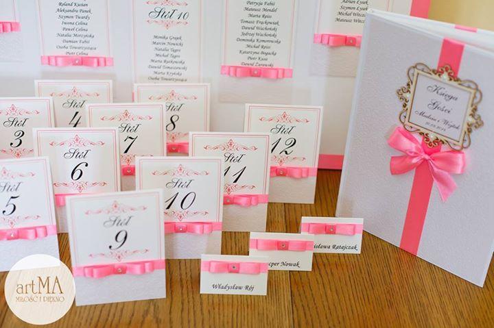 Księga wpisów weselnych gości, winietki weselne, numery na stoły, plan stołów wykonane ręcznie przez firmę artMA