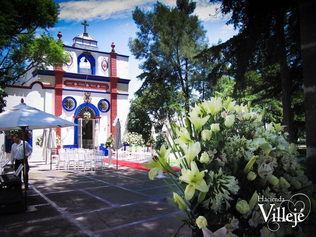 Capilla consagrada del siglo XVII dedicada a San José en la Hacienda Villejé.