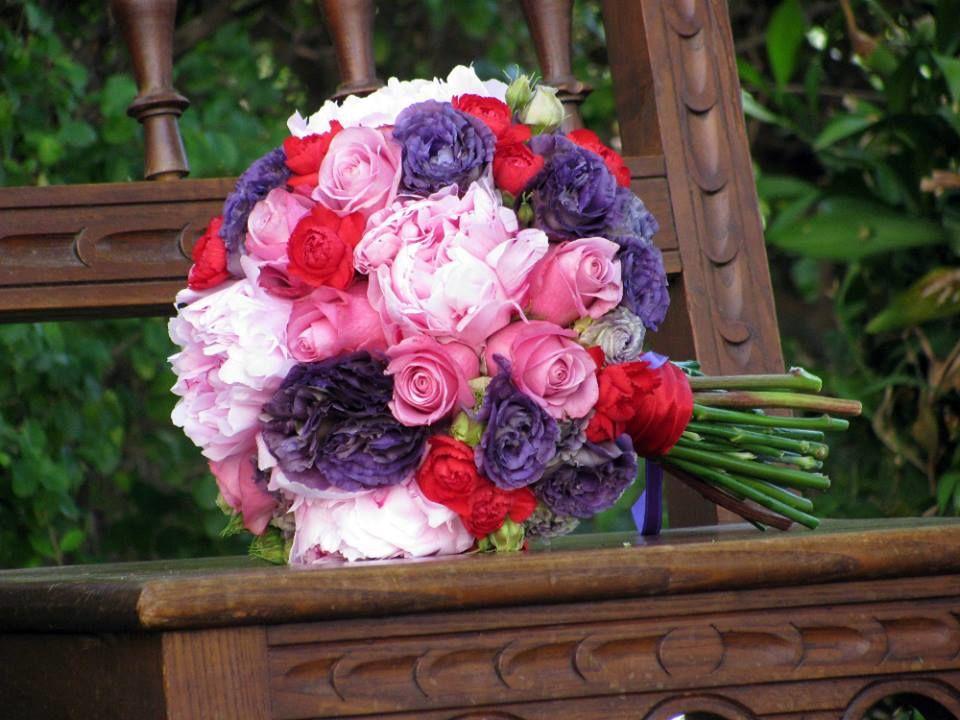 Bouquet de Noiva Peoneas Vermelho e Roxo