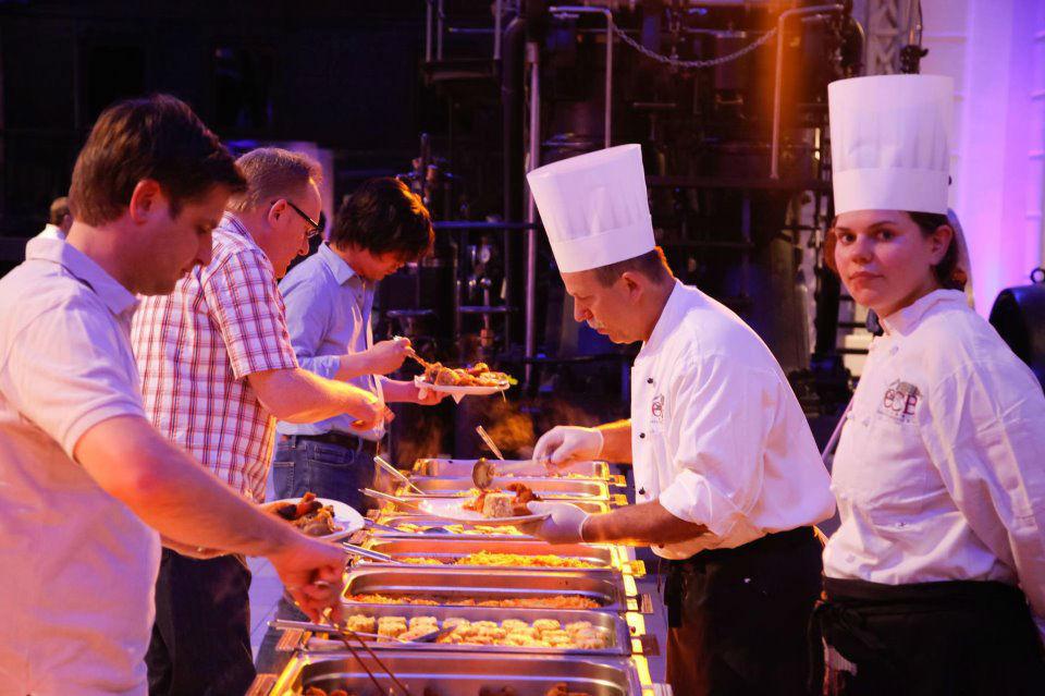 Beispiel: Warmes und kaltes Buffet, Foto: CCB Catering Company Brok.
