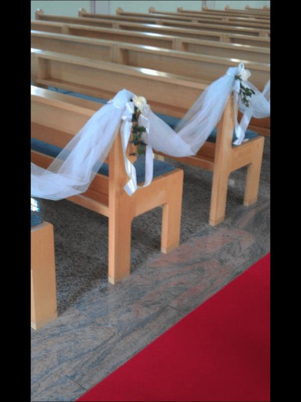 Beispiel: Kirchendekoration, Foto: Dilara's Eventdeko.