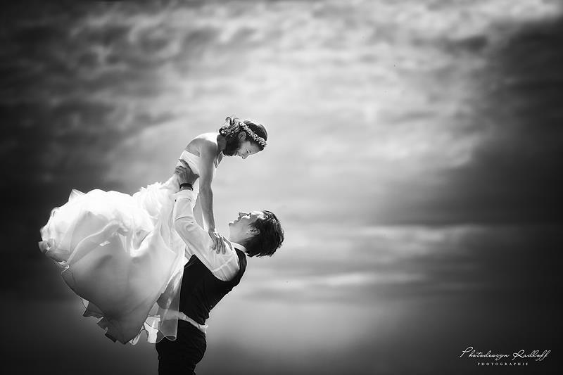 Beispiel: Wunderschöne Hochzeitsfotos, Foto: Photodesign Radloff.