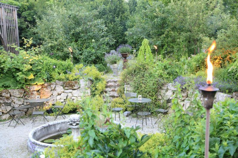 Beispiel: Wildromantischer Garten, Foto: Die Alte Gärtnerei.