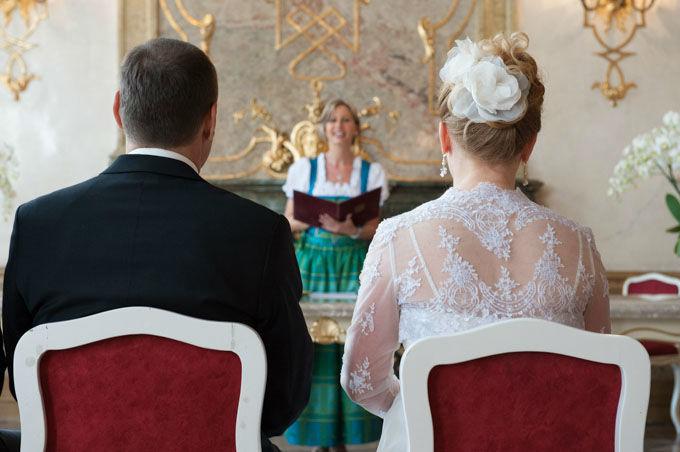 Beispiel: Standesamtliche Trauung, Foto: Hochzeitsfotografie Neuhofer.